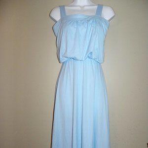 Vintage blue dress, Pretty!